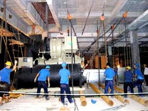厂房:开利水冷螺杆式冷水机组安装
