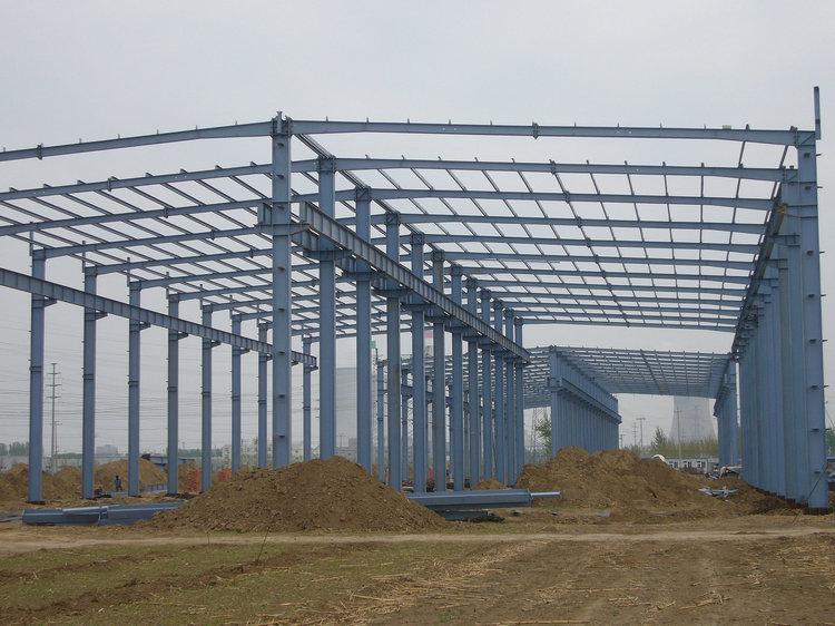 钢结构工程作业现场