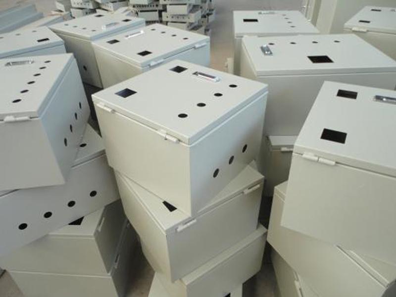 影响定制钣金加工机箱机柜质量因...