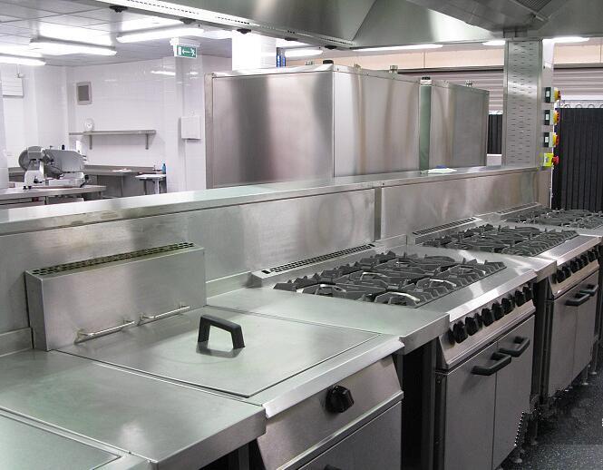 加热、燃气、排烟类等商用厨房设备如何保养...