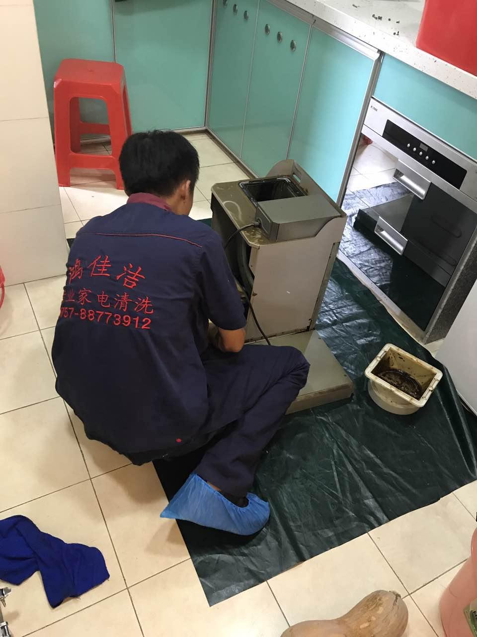 油煙機的扇葉清洗也是需要技巧