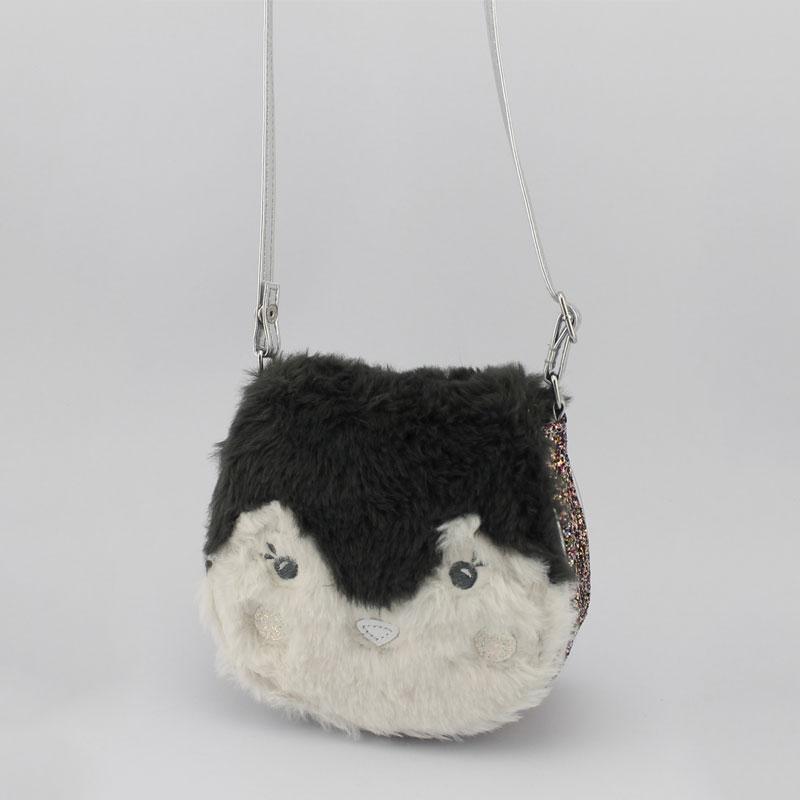 企鹅毛毛料童装斜挂包