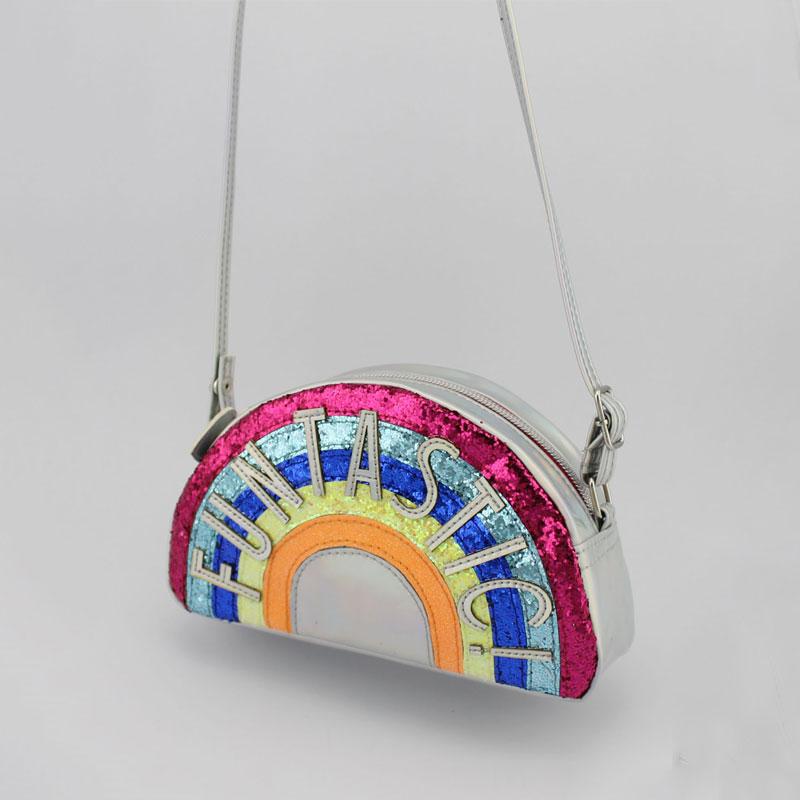 彩虹字母童装斜挂包