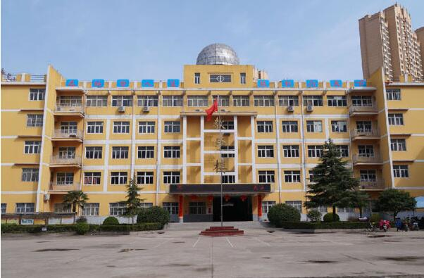 阜阳市医药科技工程学校