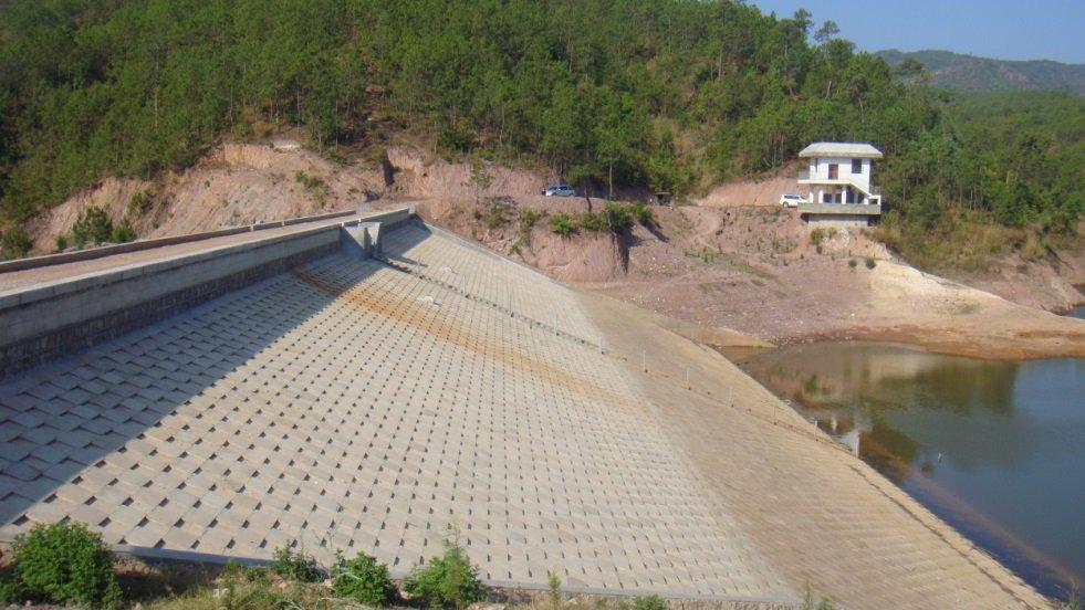 建水�h猴�R箐水轰�臁岽��