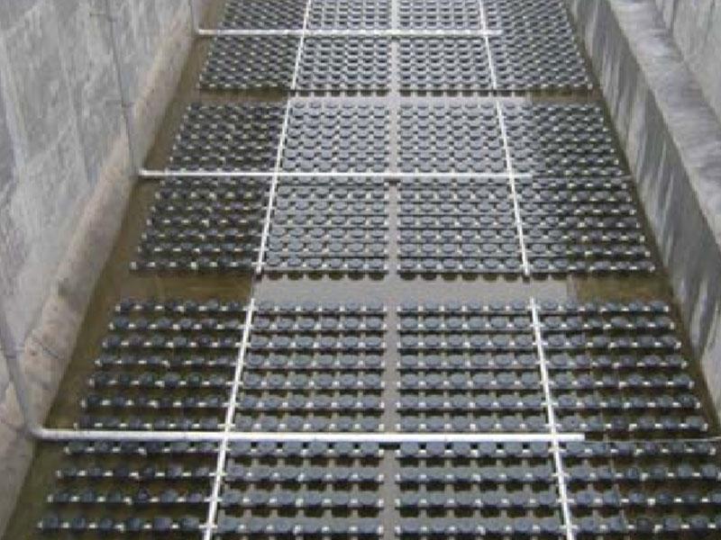 某污水处理厂盘式曝气器工程安装现场