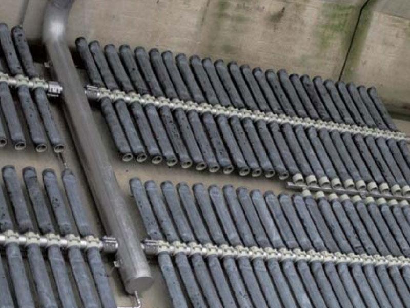 管式曝气器安装现场