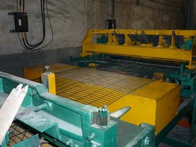 鸡笼及生产设备