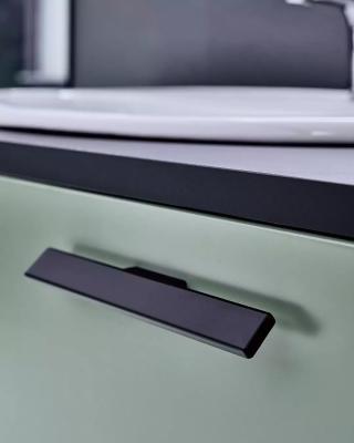丹麦原装进口furnipart流线型条状设计三色可选拉手