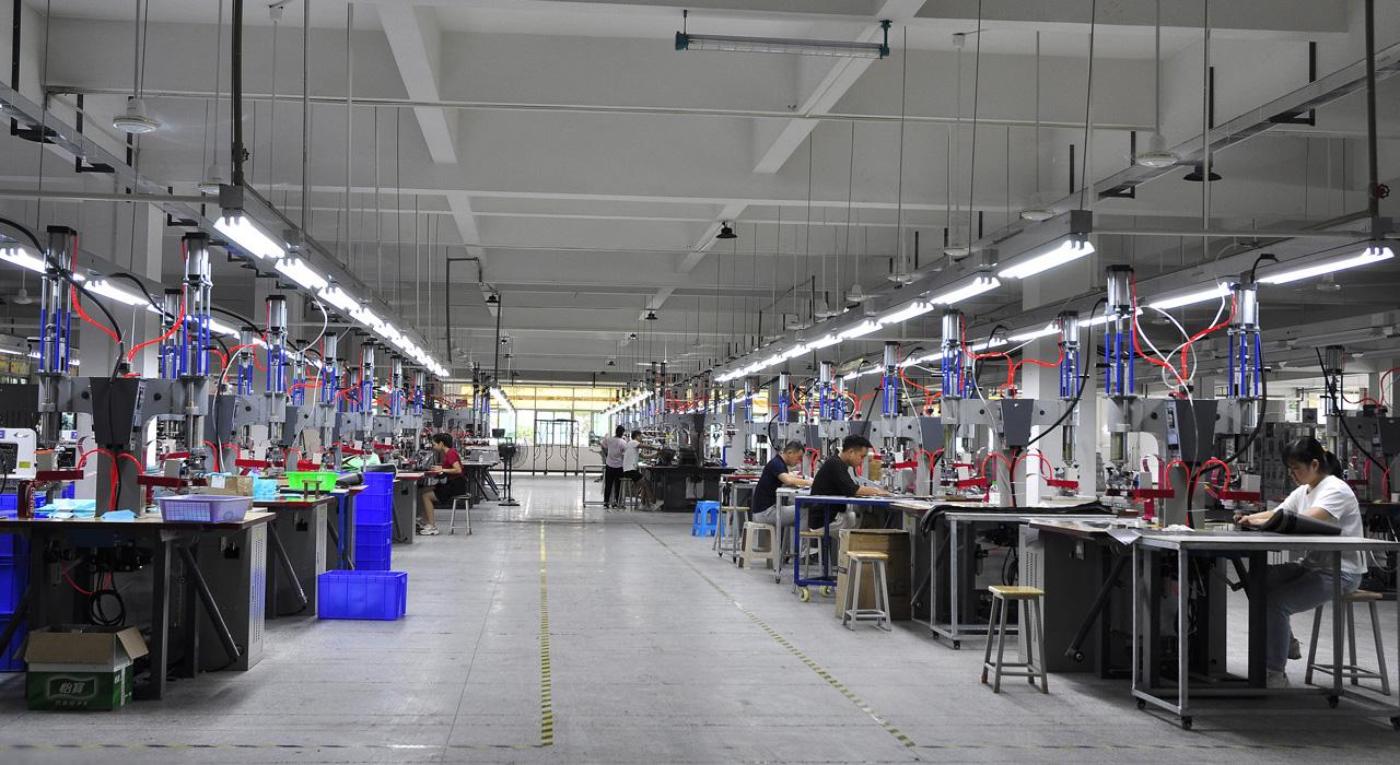 海泽龙户外用品大型工厂图
