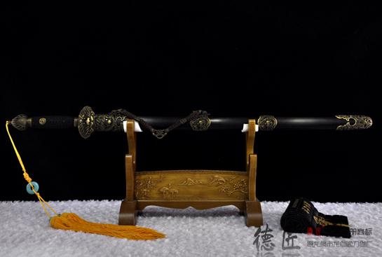 龙呤剑-弹性百炼钢