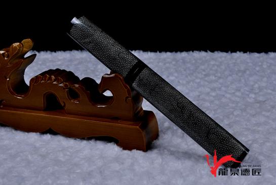 精品短剑-羽毛钢烧刃