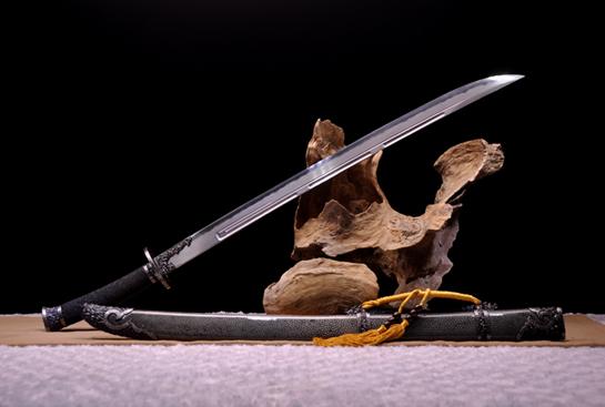 精品铁装嵌银丝清刀-地肌精炼钢