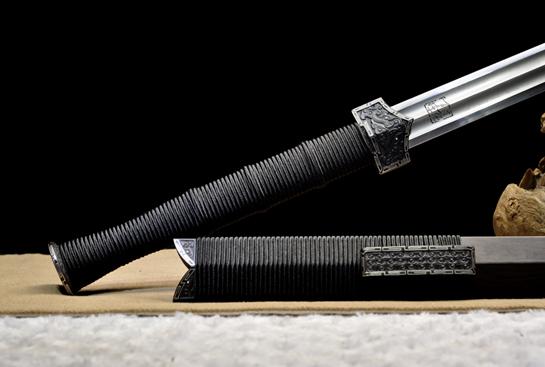 饕餮纹铁装错银汉剑-地肌精炼钢