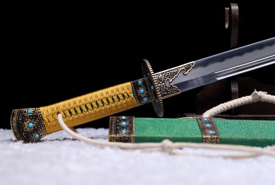 明刀雁翎刀之紫荆-经典版-自炼钢-黄铜浮雕紫荆花-镶嵌松石