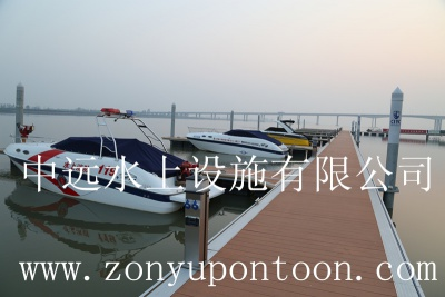 某景区高档游艇码头