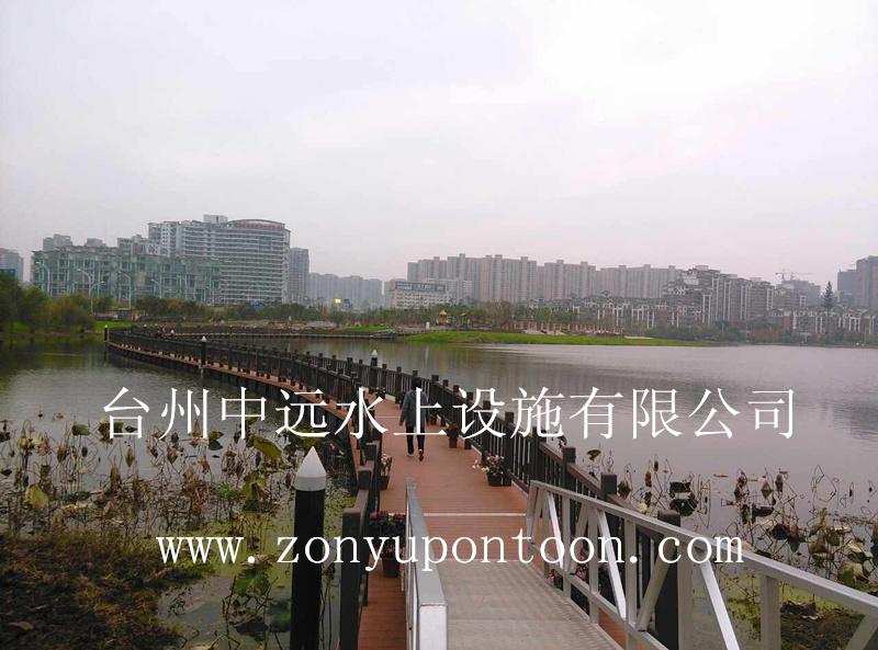 我司承建的武汉首座景观式浮桥正式亮相