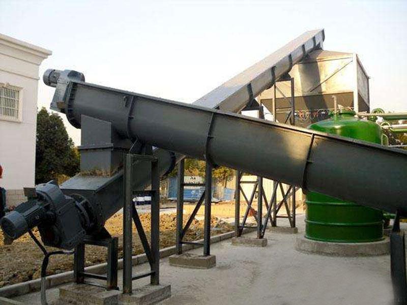 无轴螺旋输送机用于输送污泥案例
