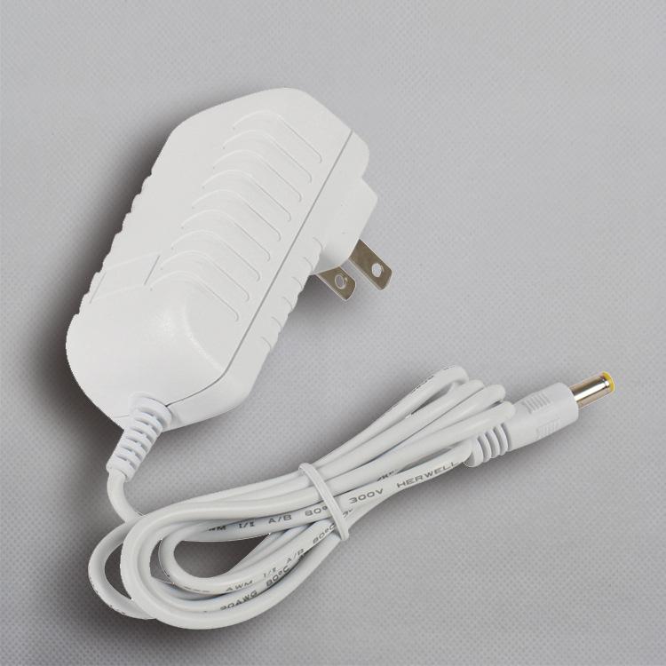 5V1A白色电源适配器