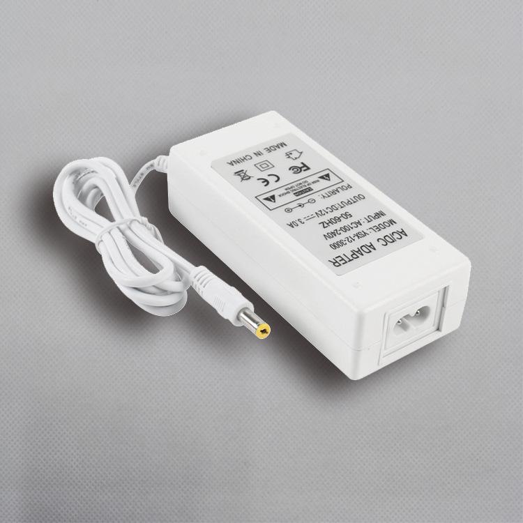 12V3A白色电源适配器
