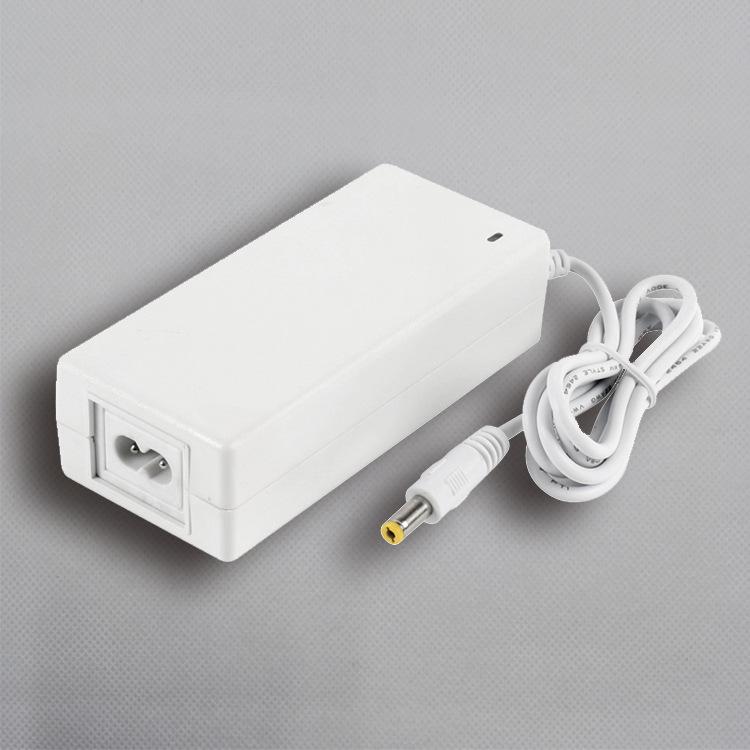 白色适配器,12V3A, 直流恒压电源,36W,胶壳适配器