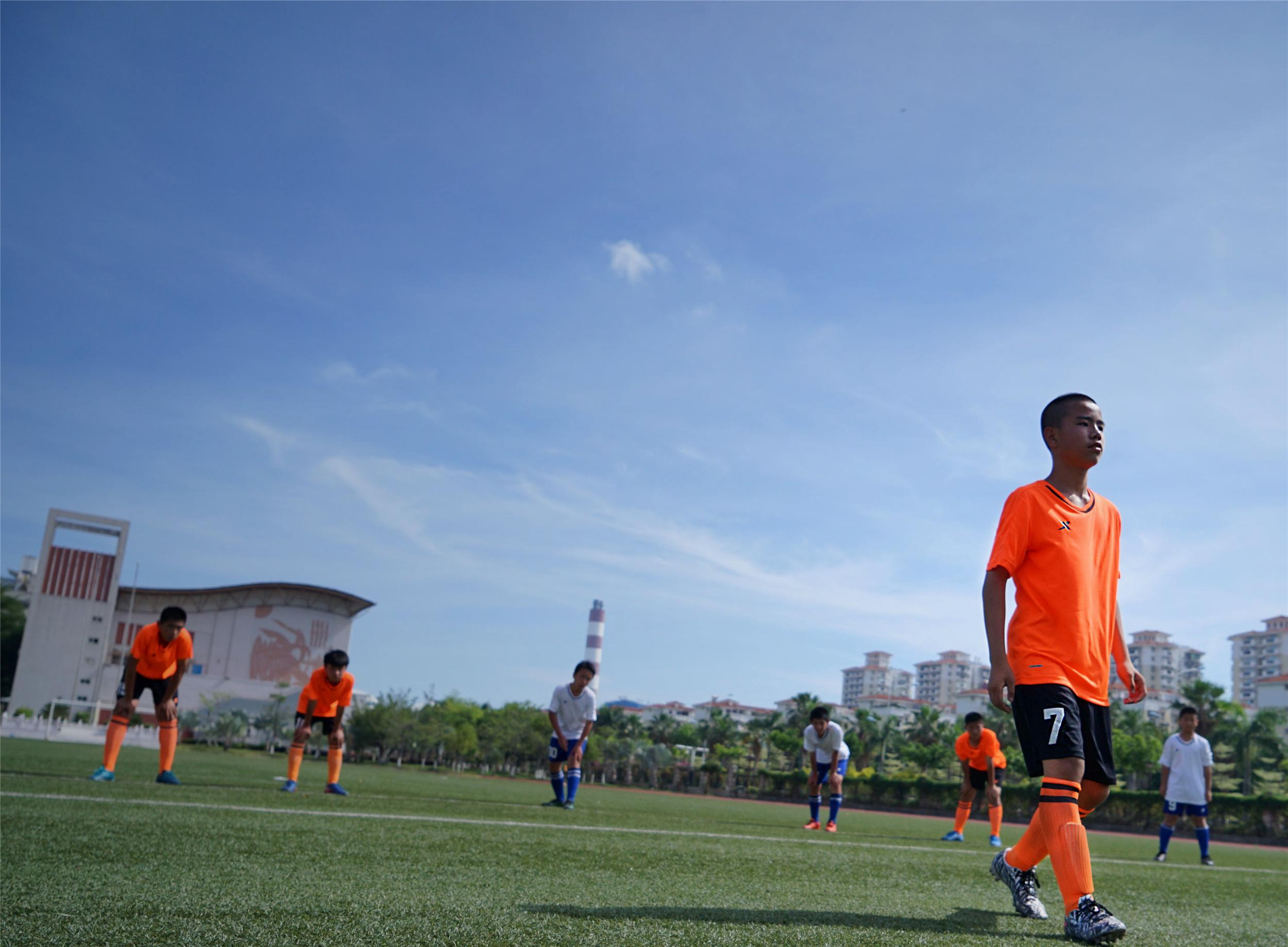 特步:《中国有足球》迷你剧内容蓄势与待发