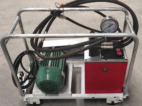 超高压液压泵