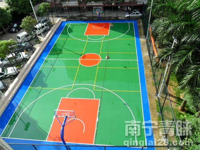 南寧交警大隊塑膠籃球場
